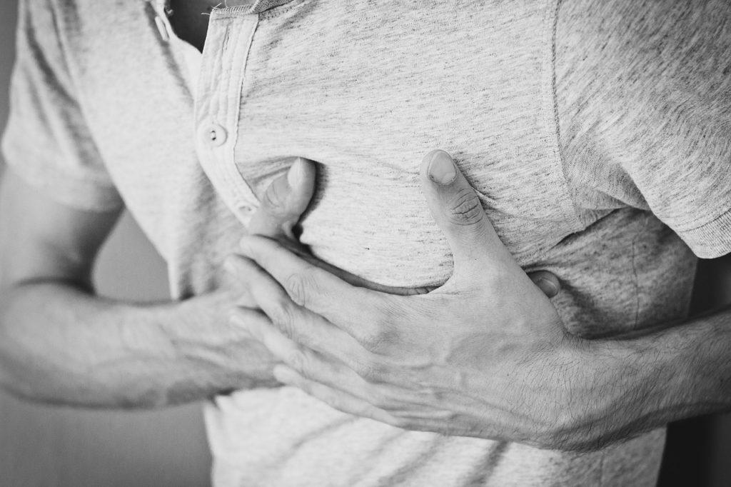 Bolest na levé straně hrudníku